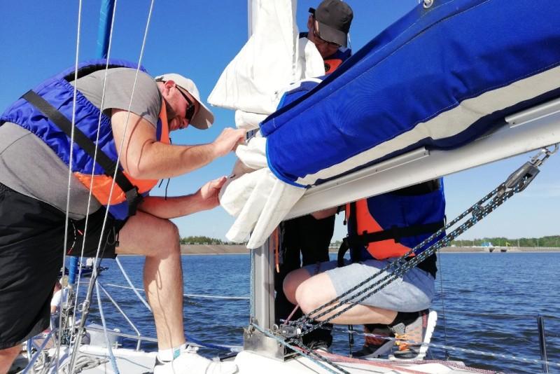 Szkolenie żeglarskie nad Zalewem Sulejowskim