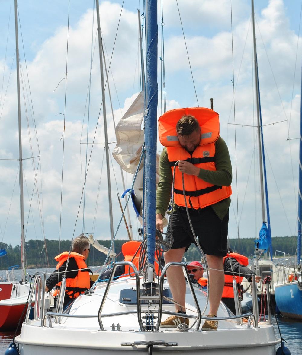 Firmowe szkolenia żeglarskie nad Zalewem Sulejowskim